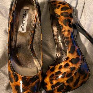 Steven Madden heels NEVER WORN great condition